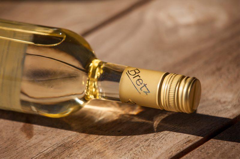 Weingut-Bretz-Weißwein-Liegend