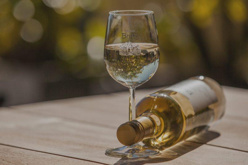 Weingut-Bretz-Weißwein-Overlay